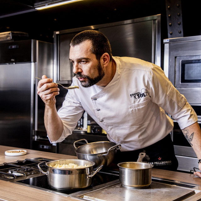 Poznati chef David Skoko priprema Aurelia svježu tjesteninu