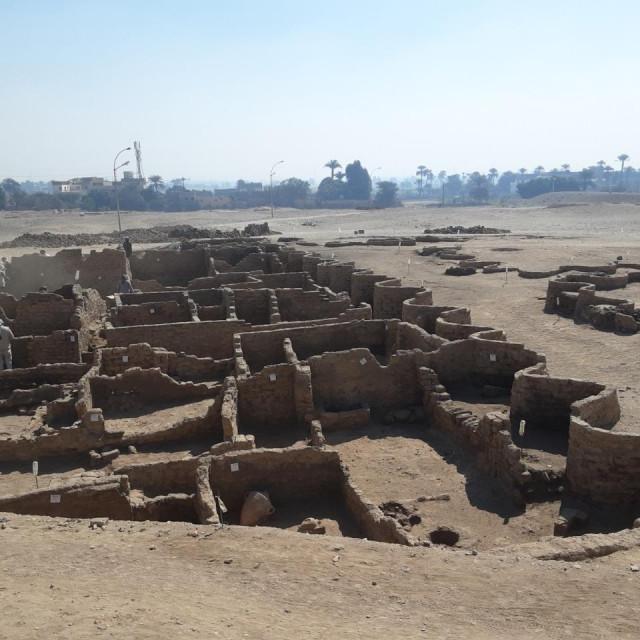Arheološko otkriće kod Luksora u Egiptu