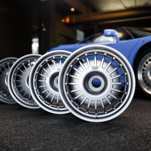 BBS naplaci Bugattija EB110
