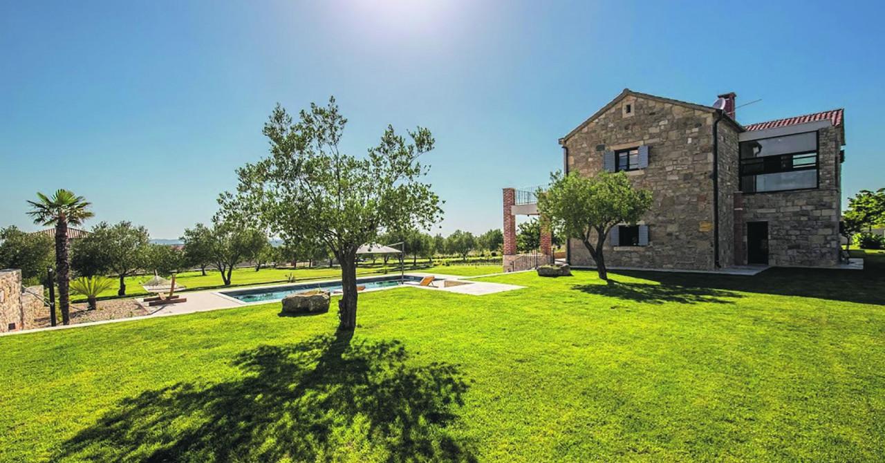 Kada se novo uklopi u staro: Dovršena prekrasna vila za uživanje i odmor u Murvici pokraj Zadra