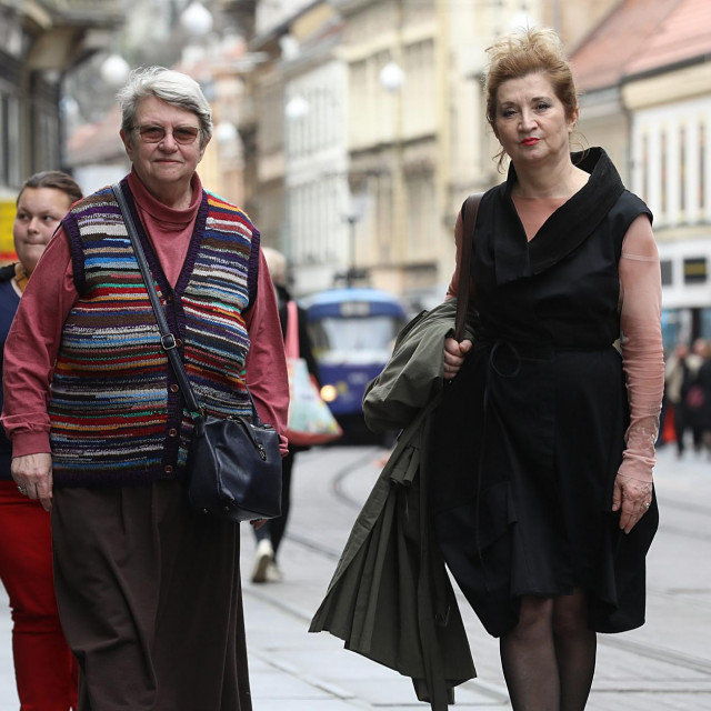 Novinarka Mirjana Dugandžija u društvu lingvistice Nives Opačić<br />