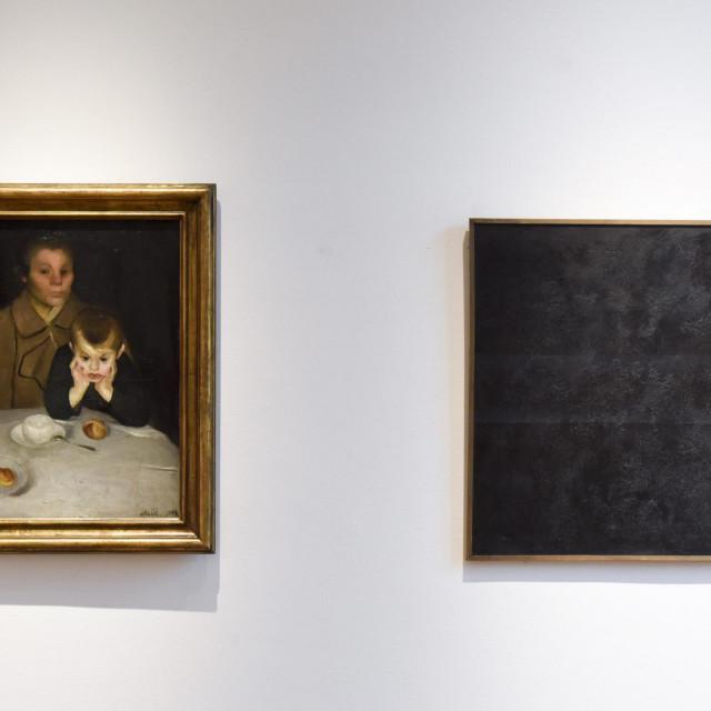 Izložba obuhvaća razdoblje od preko stotinu godina, najstariji je Račićev rad iz 1908., a najnoviji je onaj Kate Mijatović iz 2017. godine