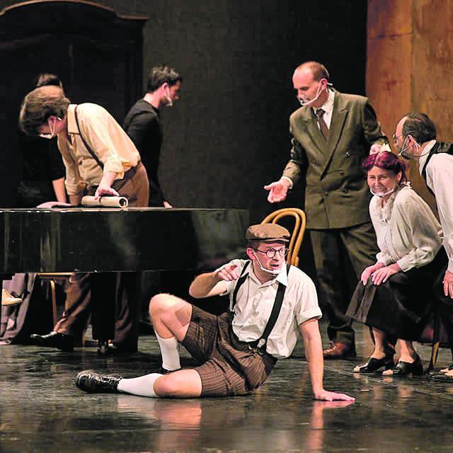 """Prizor iz predstave """"Dječak koji je govorio Bogu"""" koja je premijerno izvedena u HNK Osijek"""