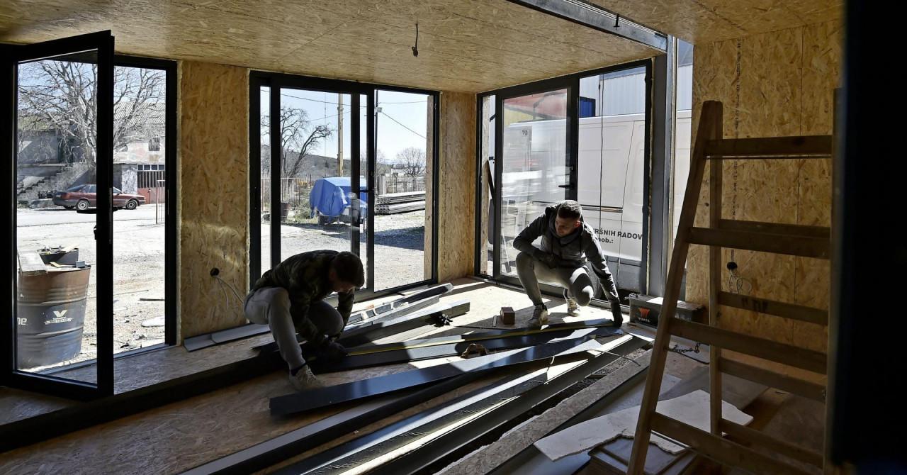 U Klisu izrađuju drvene mobilne kuće koje su hit: 'Gradimo za Slovence, HGSS, uskoro i za Hajduk'