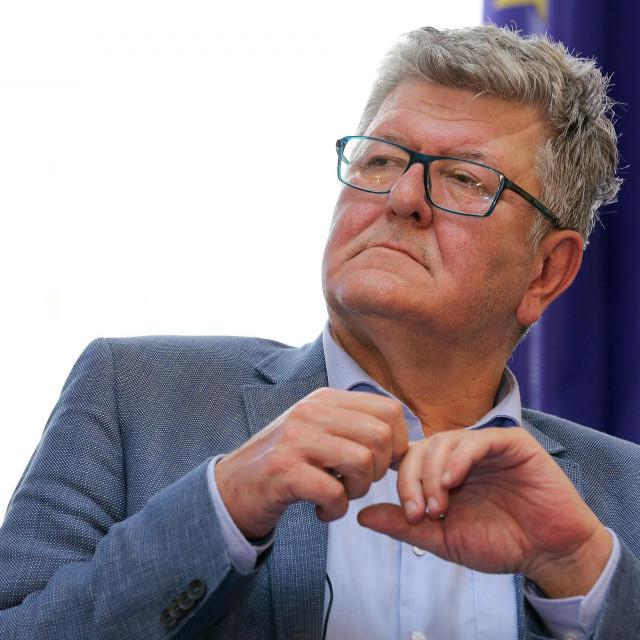 Prof. dr. Ante Ćorušić<br />