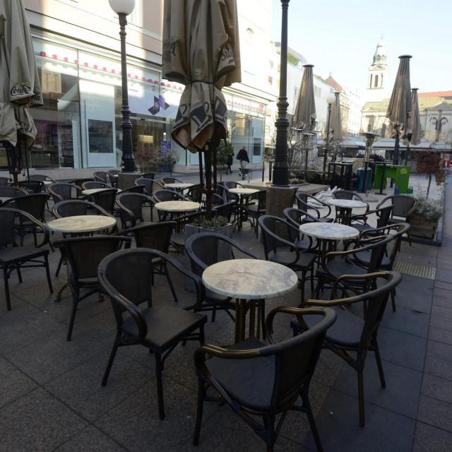 Zatvoreni kafići