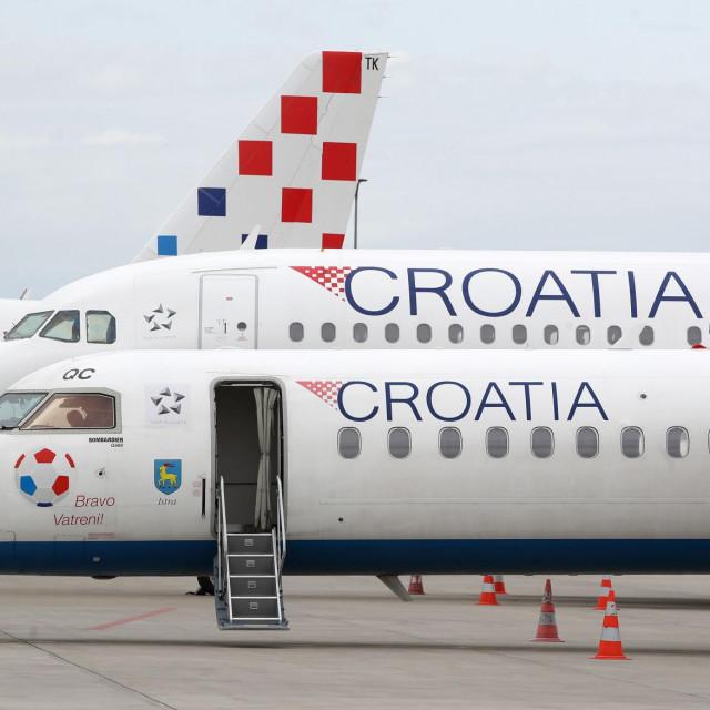 Zrakoplovi Croatia Airlinesa na zagrebačkoj zračnoj pisti - propast kompanije značila bi i prometnu izoliranost nekih područja, primjerice dubrovačkog<br />