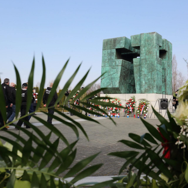 Memorijalno groblje u Vukovaru