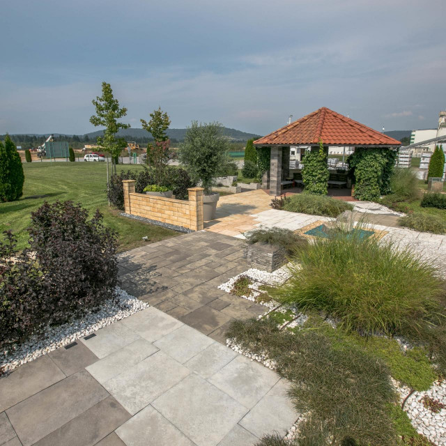 Semmelrock izložbeni vrt u Ogulinu