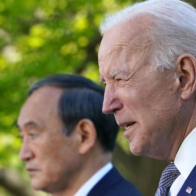 Yoshihide Suga i Joe Biden
