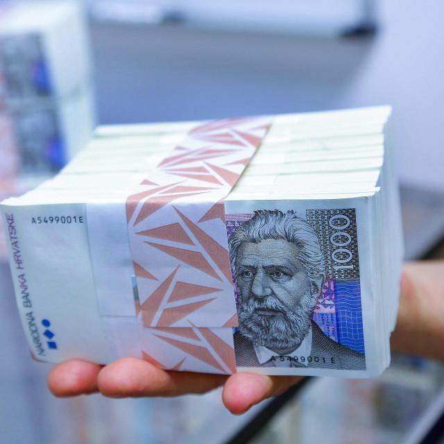 Bunt novčanica od 1000 kuna