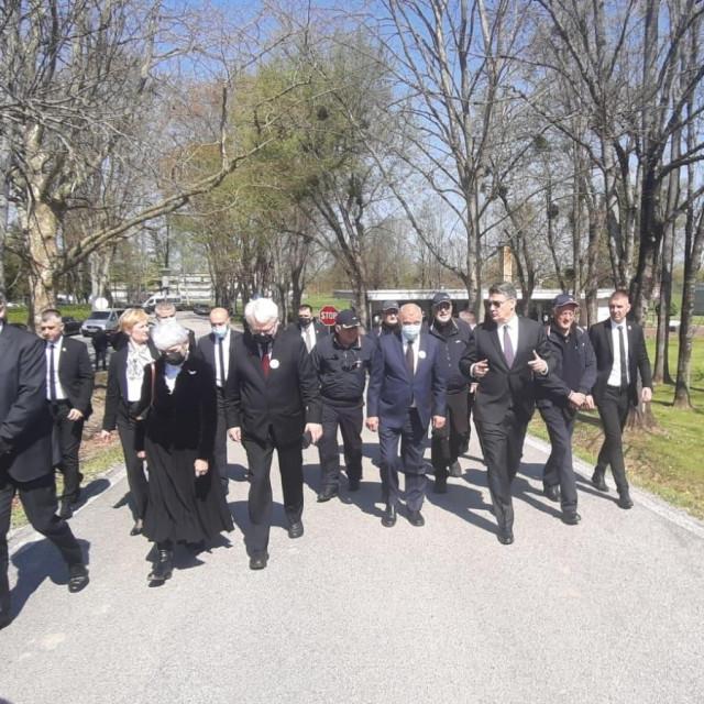 Delegacija predsjednika Republike Milanovića u Jasenovcu
