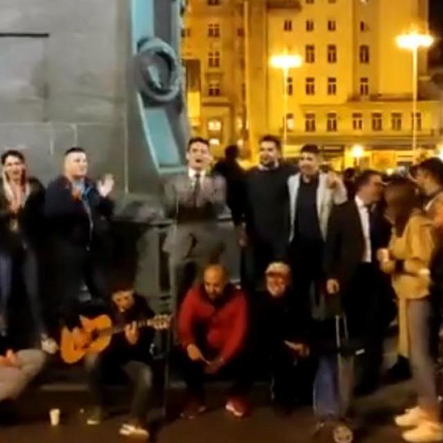 Ekipa Mostovaca na Trgu bana Jelačića