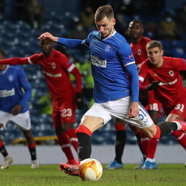 Borna Barišić igra za Glasgow Rangerse, koji silno žele u Premiership