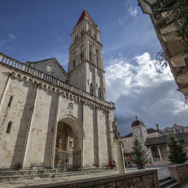 Katedrala Sv. Lovre