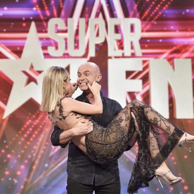 Maja Šuput i Davor Bilman na Supertalentu 2017.