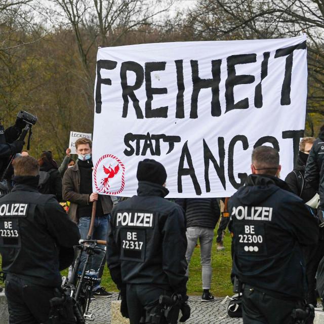 Prosvjednici protiv lockdowna u Njemačkoj, arhivska fotografija
