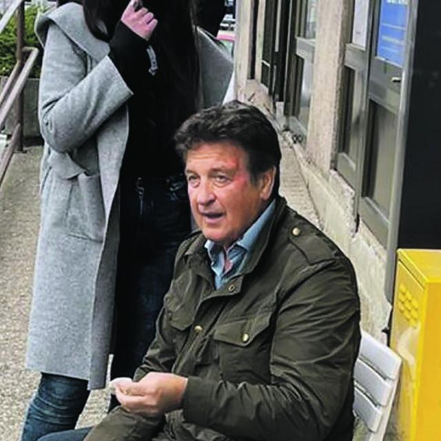 Boško Dimitrijević (67) izvukao se iz prevrnutog Audija s lakšim ozljedama