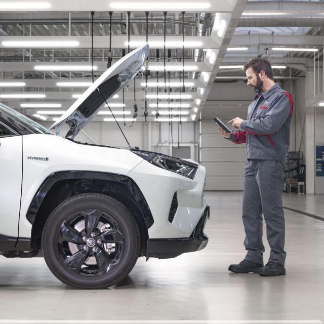 Toyota produljeno jamstvo