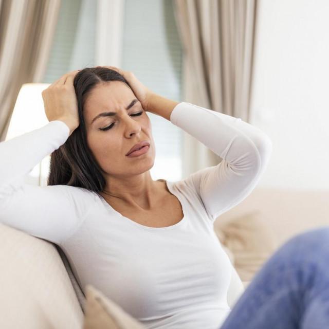Nepušačice koje uzimaju oralnu kontracepciju gotovo su četiri puta u većem riziku od moždanog udara od žena koje ne uzimaju takvu kontracepciju
