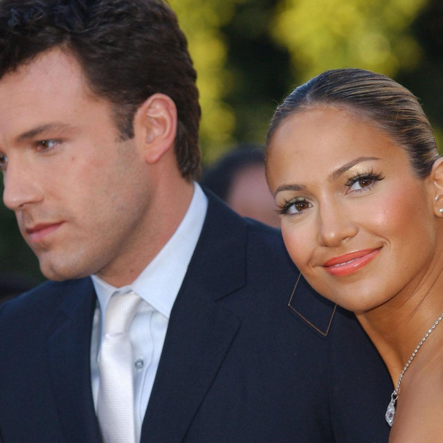 Ben Affleck i Jennifer Lopez, fotografirani 2003.