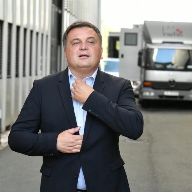 Televizijski voditelj Duško Ćurlić