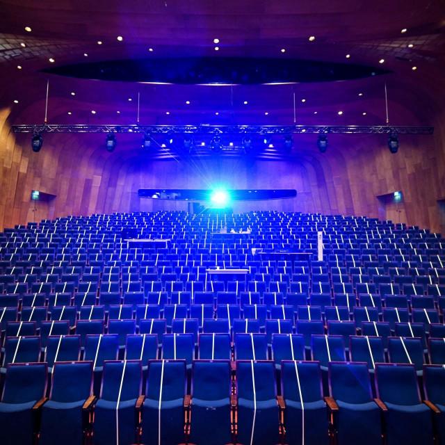 Prazno kazalište Schauspielhaus u Duesseldoru snimljeno krajem prošle godine.