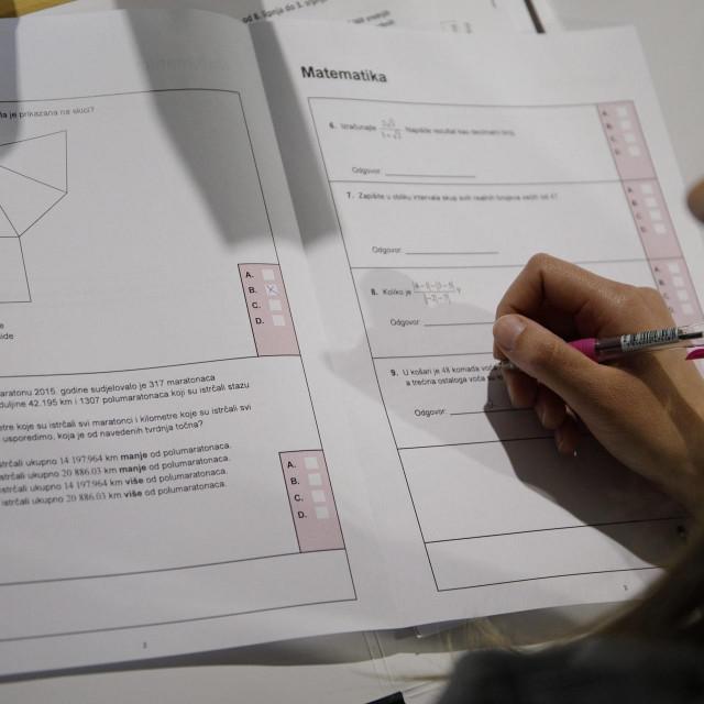 Ispit iz matematike, ilustracija