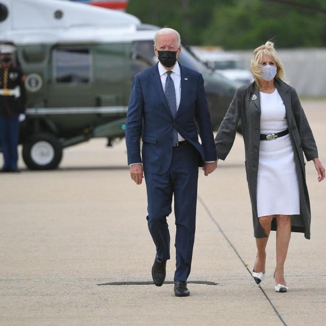 Joe Biden i supruga Jill Biden