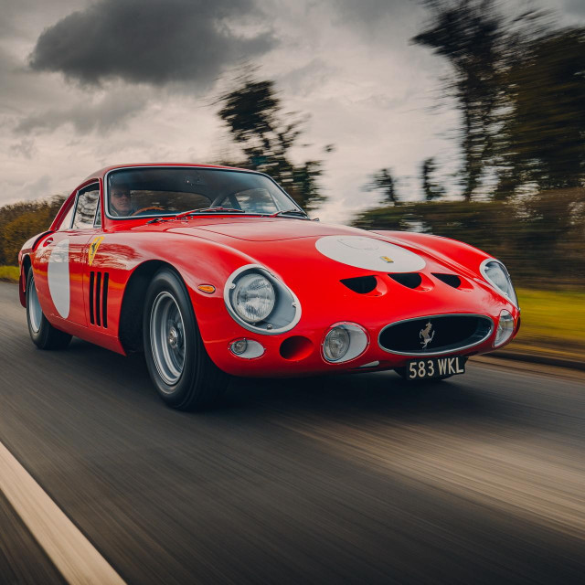 novi Ferrari 330 LMB