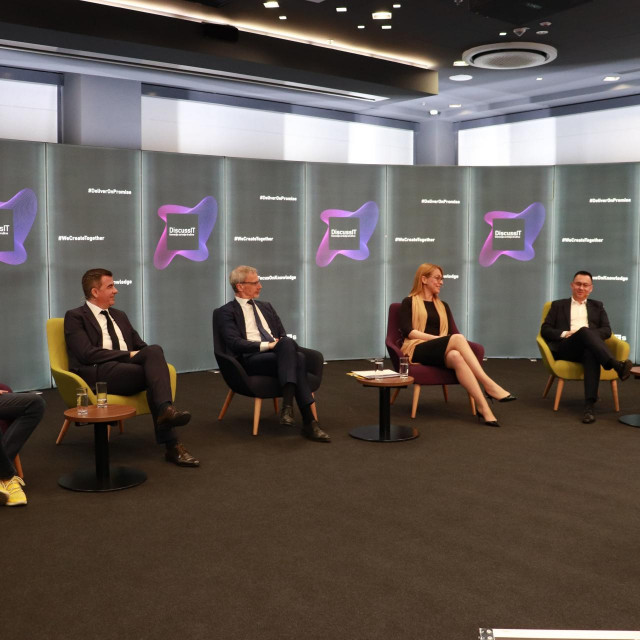 Hrvoje Prpić, Roberto Bitunjac, Boris Vujčić, Liana Keserić, Goran Car, Tarik Filipović