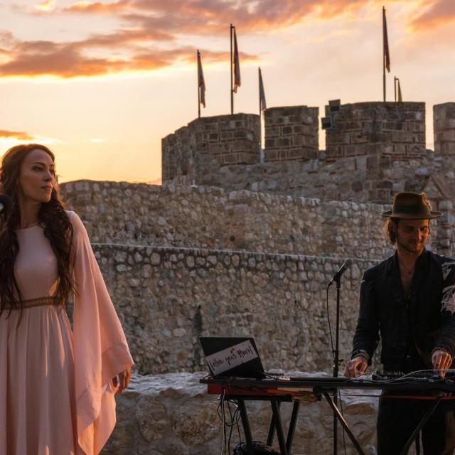 Milica Majstorovic & Satori