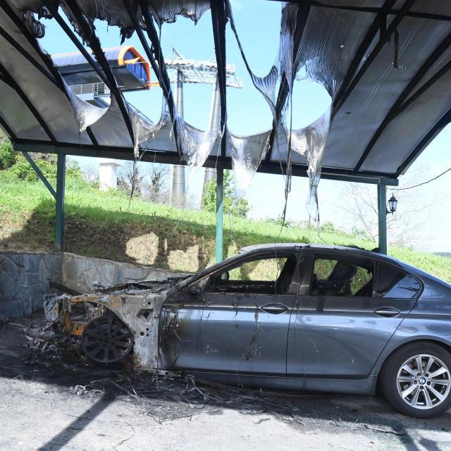 Zapaljeni automobil obitelji Banek