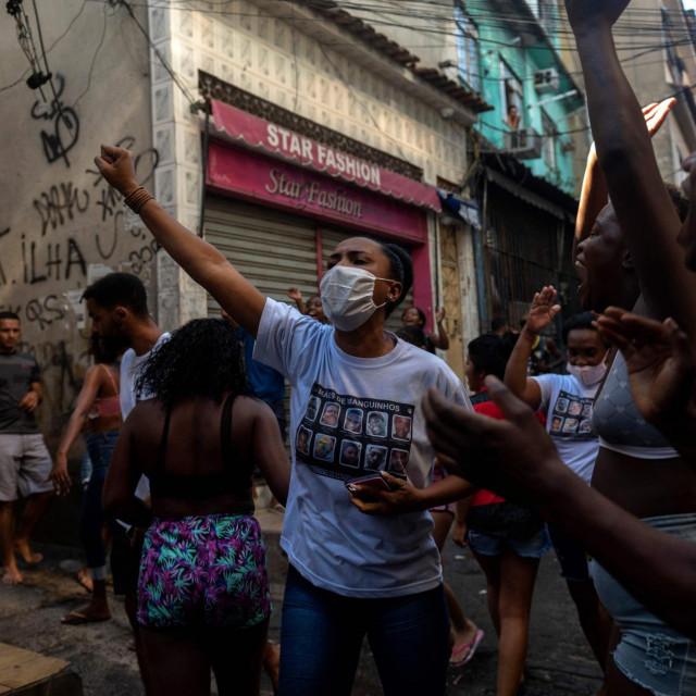 Prosvjedi u faveli nakon upada policije