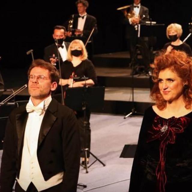 Maestro Tomislav Fačini i Dubravka Šeparović Mušović/HRT, Marija Stilinović