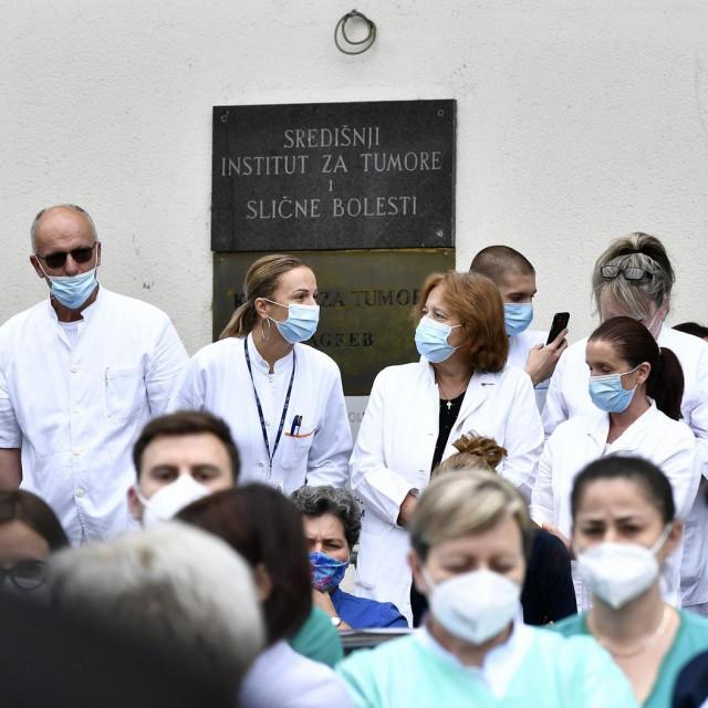 Prosvjed djelatnika Klinike za tumore KBC-a Sestre milosrdnice koji se održao u četvrtak