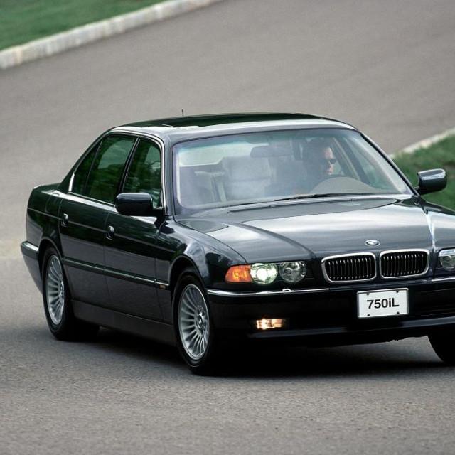 BMW Serije 7 e38