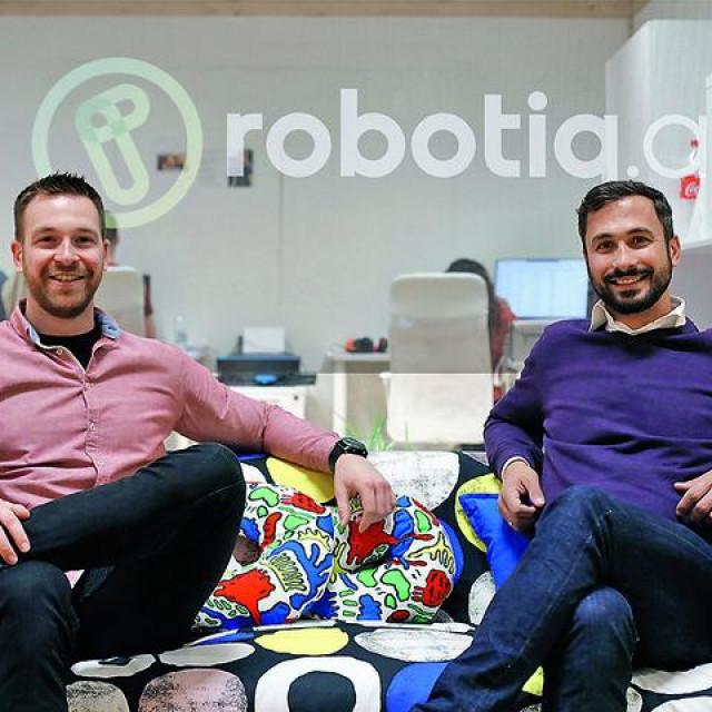 Ivan Belas i Darko Jovišić u sjedištu Robotiq.ai-ja u prostoru ZICER-a u Zagrebu