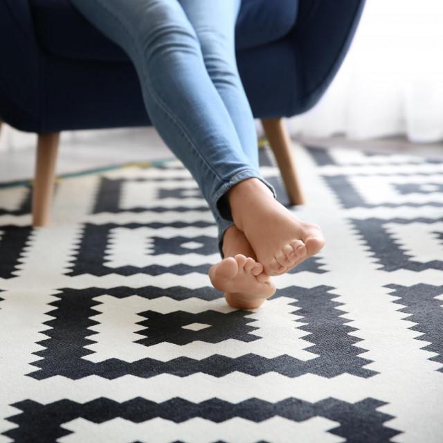 Radite li od kuće, razmislite o tome što imate na nogama