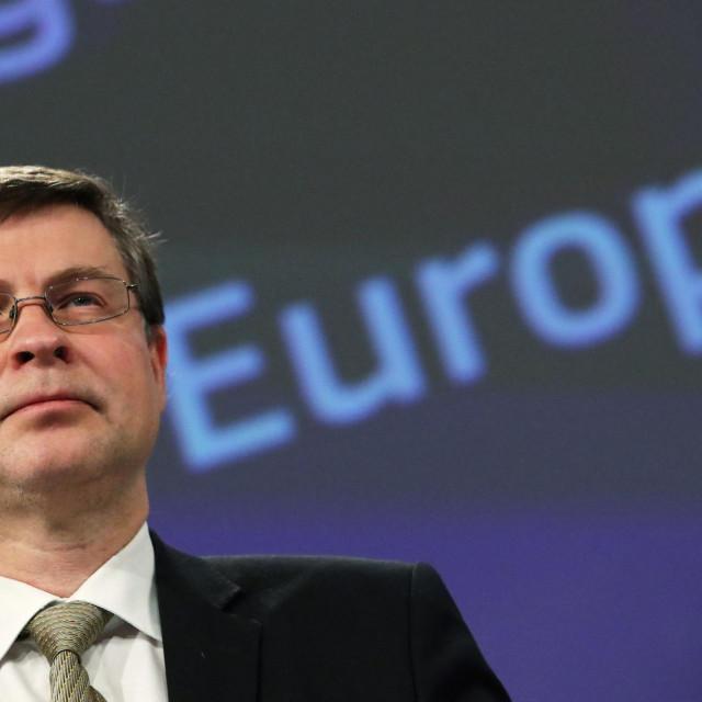 Dombrovskis je u ponedjeljak izjavio kako bi mjera mogla postati redovni instrument za poticaj gospodarskog rasta EU