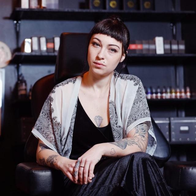 Zagreb, 070421.<br /> Dark Rituals tattoo studio.<br /> Nikka Dott, tattoo artistica.<br />