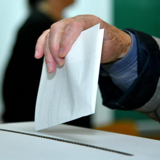 Glasovanje na izborima