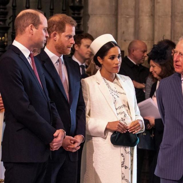 Princ William, princ Harry, Meghan Markle i princ Charles
