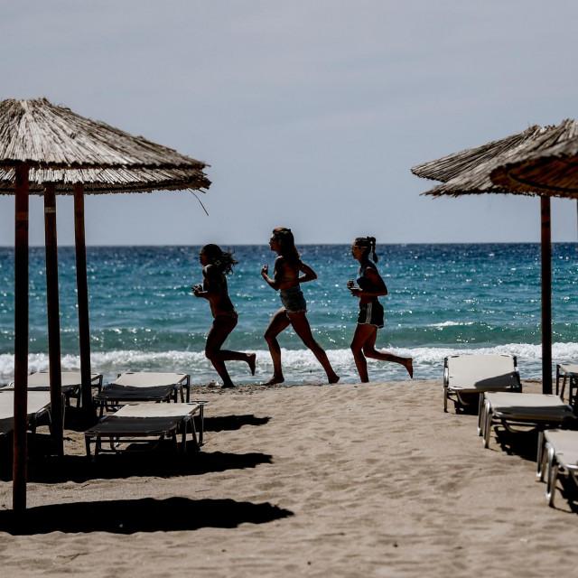 Grčka je otvorila plaže svojim posjetiteljima