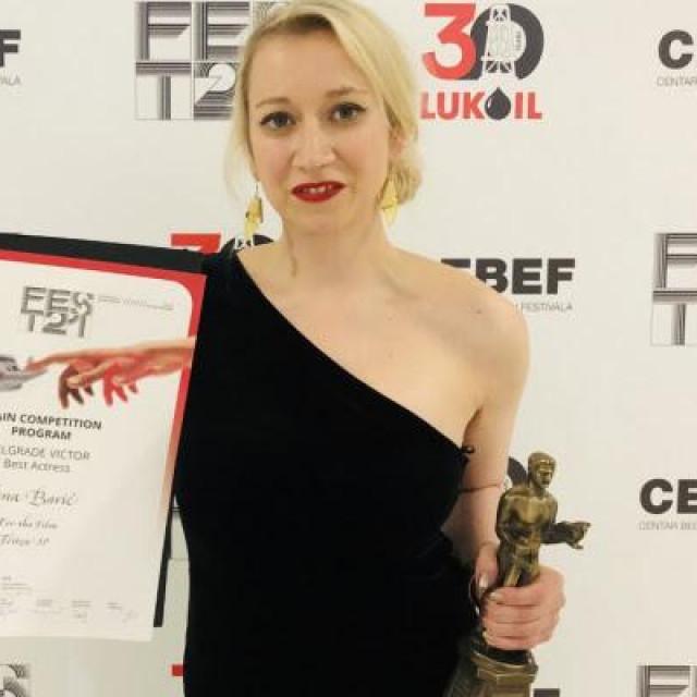 """Osim što tumači glavnu ulogu Lana Barić je napisala i scenarij za film """"Tereza37"""""""
