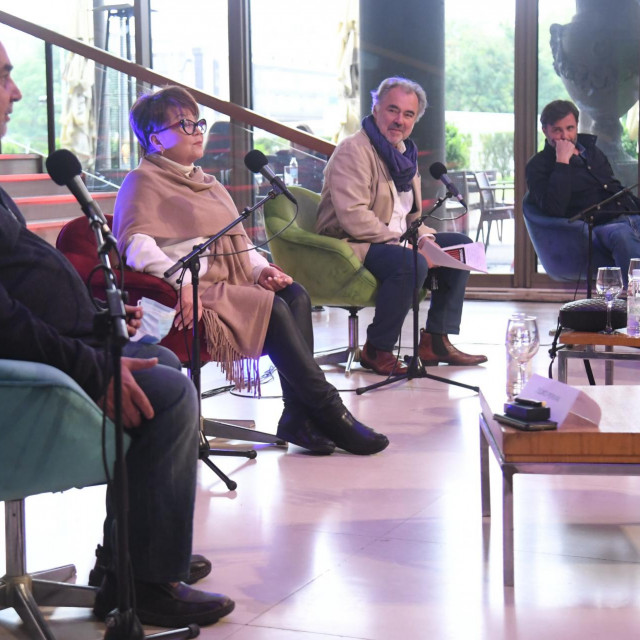 Željko Pervan, Zdenka Kovačiček, ravnatelj Lisinskog Dražen Siriščević i Vladimir Posavec-Tušek na konferenciji za medije u Lisinskom na kojoj je predstavljen novi ciklus na otvorenom Lisinski Atrium