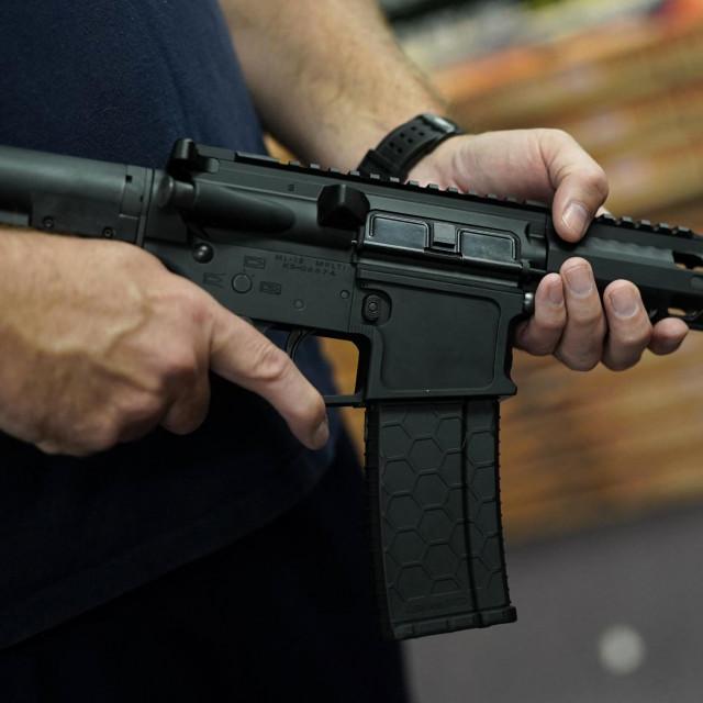 Puška AR-15 (ilustrativna fotografija)