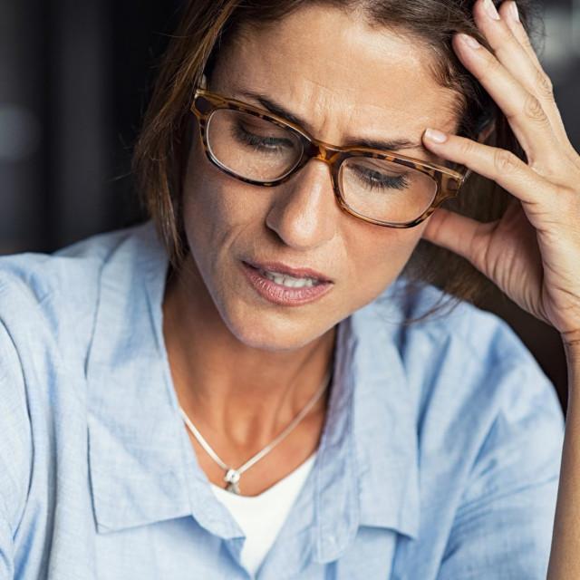 Nesretna veza može vas činiti nesigurnima i rušiti vam samopouzdanje, a onda bi vas mogle početi obuzimati bolne misli