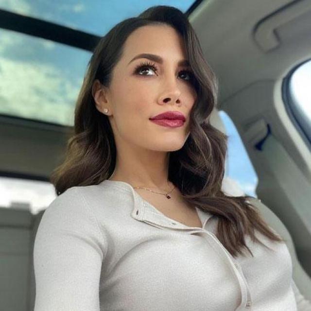 Jelena Lešić