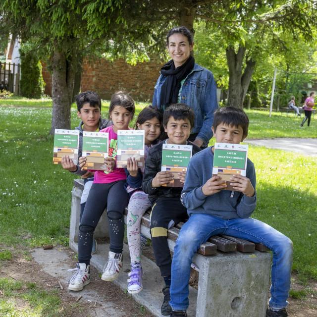 Priča o Prvom romskom rječniku